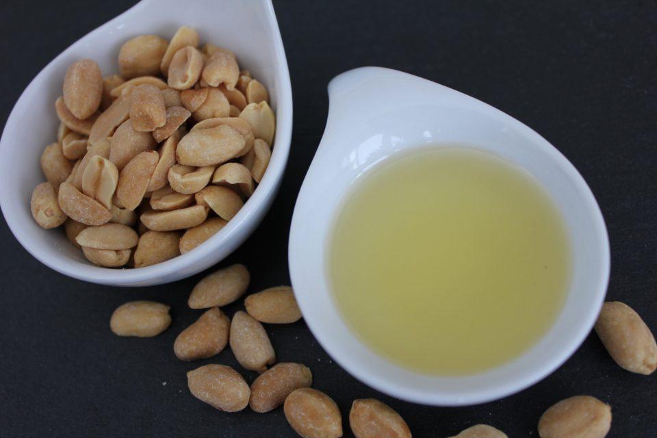 Peanut oil. erdnussol, Erdnuss-Öl